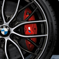 BMW-M-Performance-Brake-Kit-F22-F3X-front-red-installed-tn.jpg
